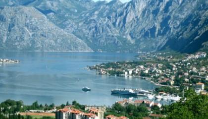 Montenegro in traghetto da Bari