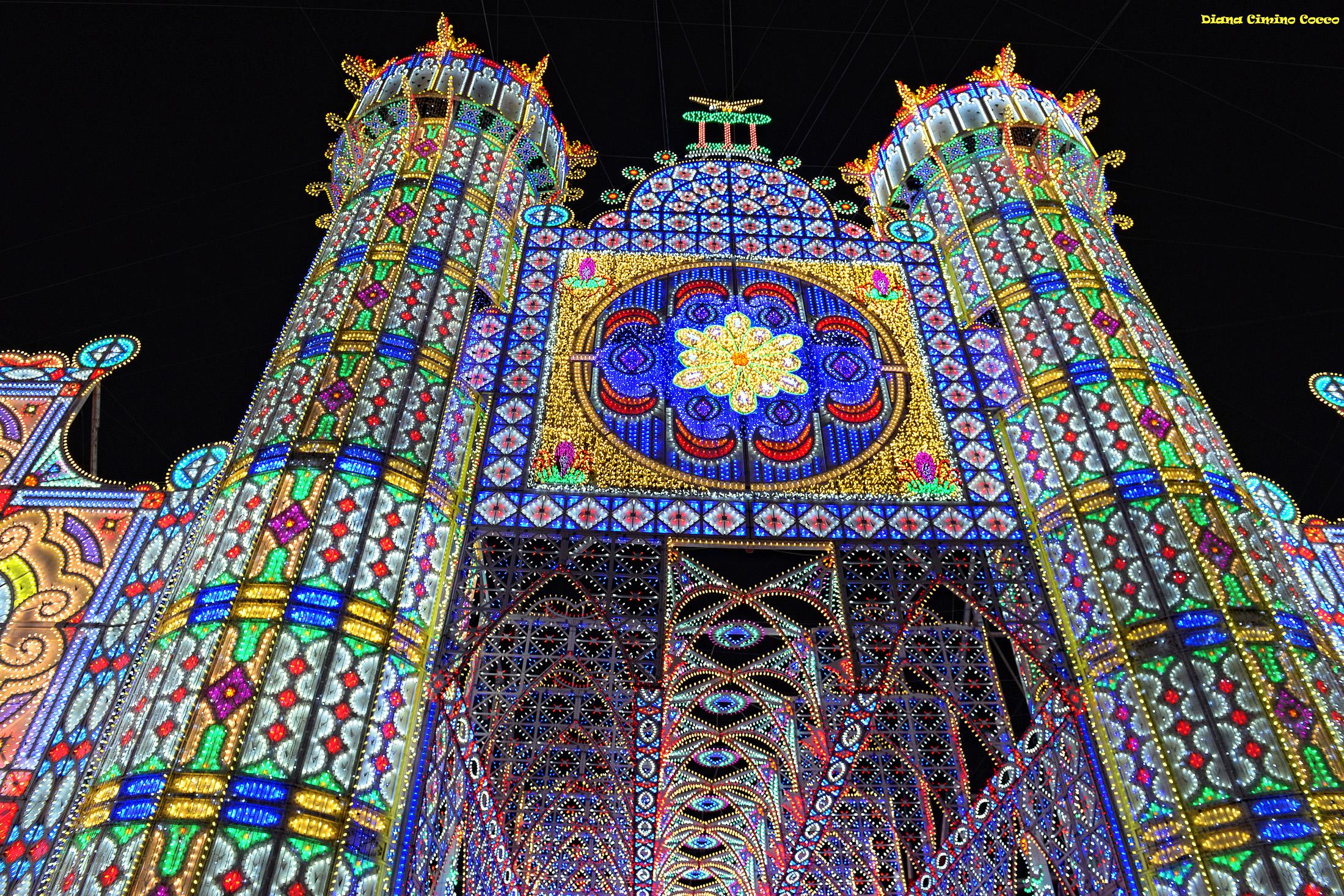 Festa di santa domenica scorrano maggialetti viaggi for Luminarie puglia